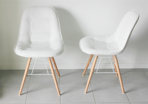 chaise cuir scandinave